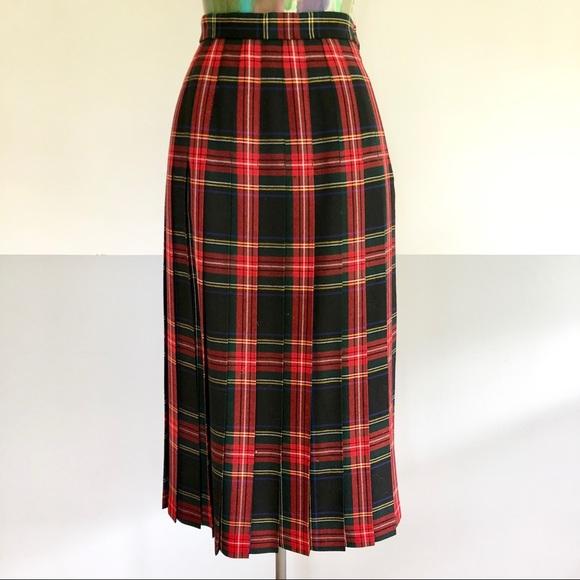fb4794001 🚦VINTAGE Tartan Plaid Pleated Midi Skirt. M_5b771798d365bed417883b47